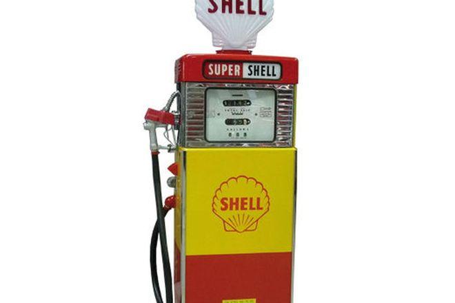 Petrol Bowser Fridge - Wayne 605 Fridge Conversion in Shell Livery with Reproduction Globe