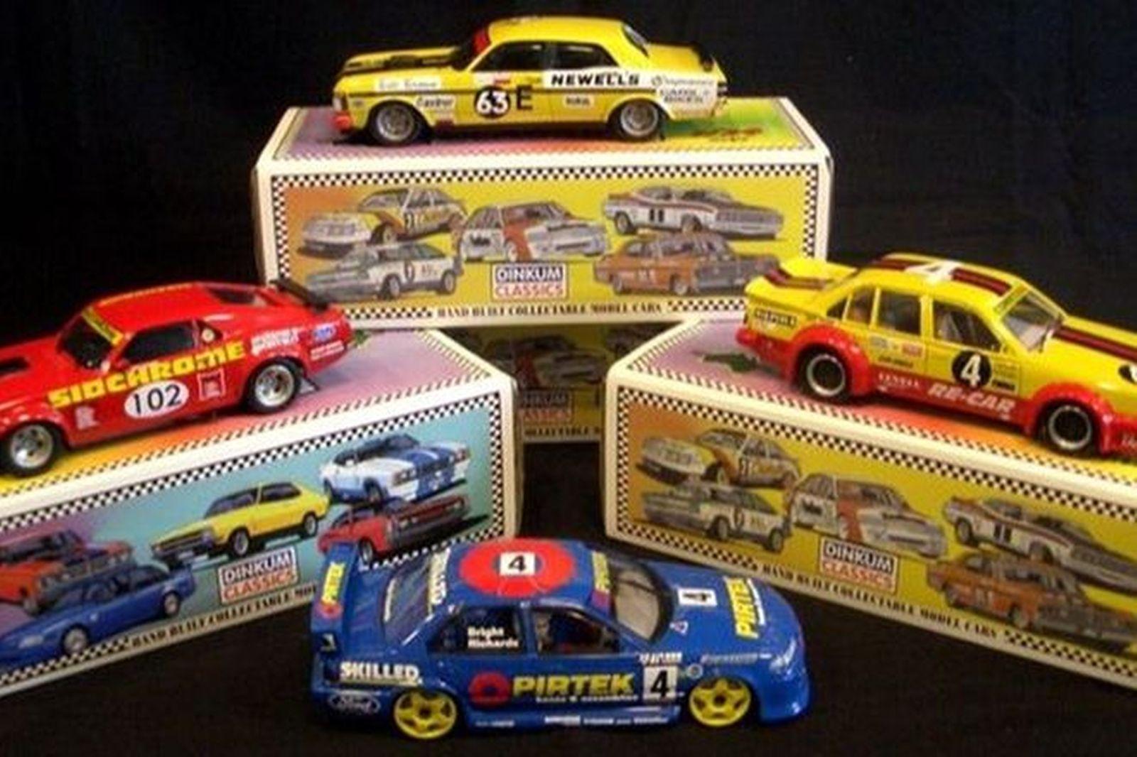 Model Cars - 4 x Burago - Ferrari 348Tb, 288GTO, 250, F40 (1:18 Scale)