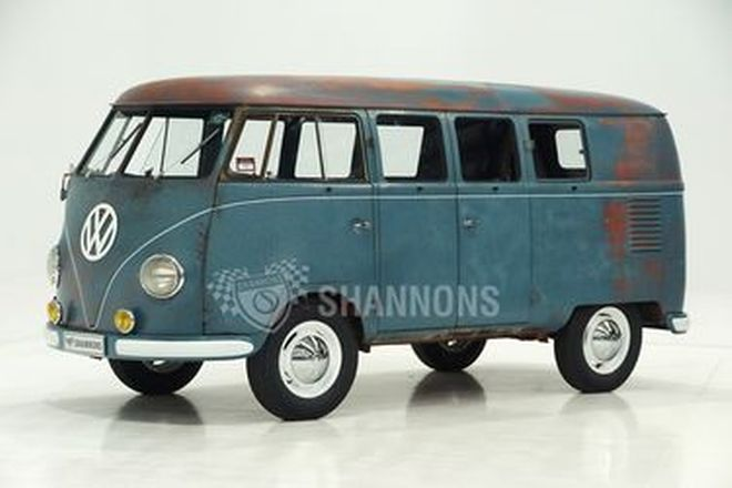 Volkswagen Kombi 11-Window Van