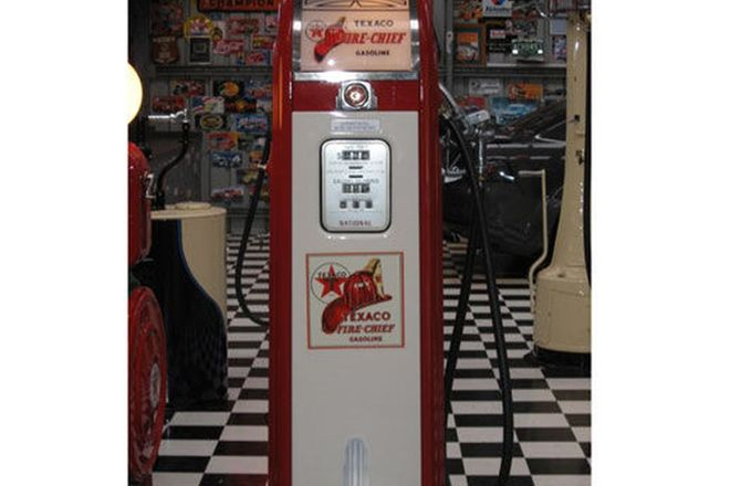 Petrol Pump - c1938 National Roll Top A33 Electric in Texaco Fire Chief Gas Livery (1.8m Tall)