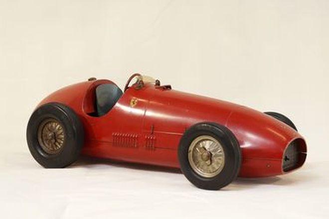 Model Car - Toschi diecast Ferrari 500 Clockwork (55cm long)