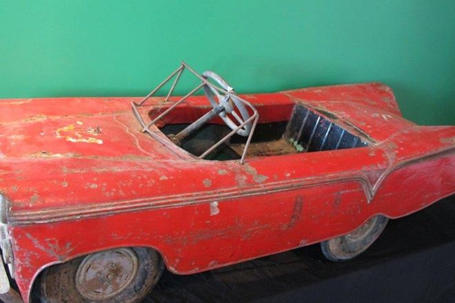 Pedal Car - Similar to a 1960's Chevrolet Impala (Length 120cm)