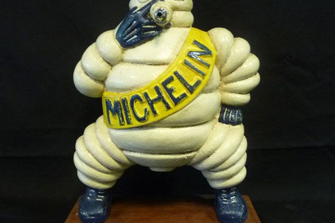Statue - Reproduction of Michelin Man from a Compressor (H 38 cm)