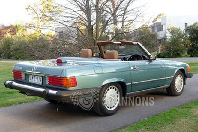 Mercedes-Benz 560SL Convertible