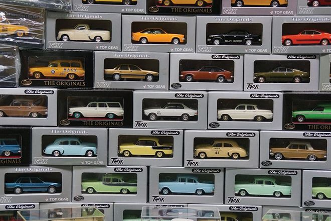Model Cars - 52 x Holdens (Scale 1:43)
