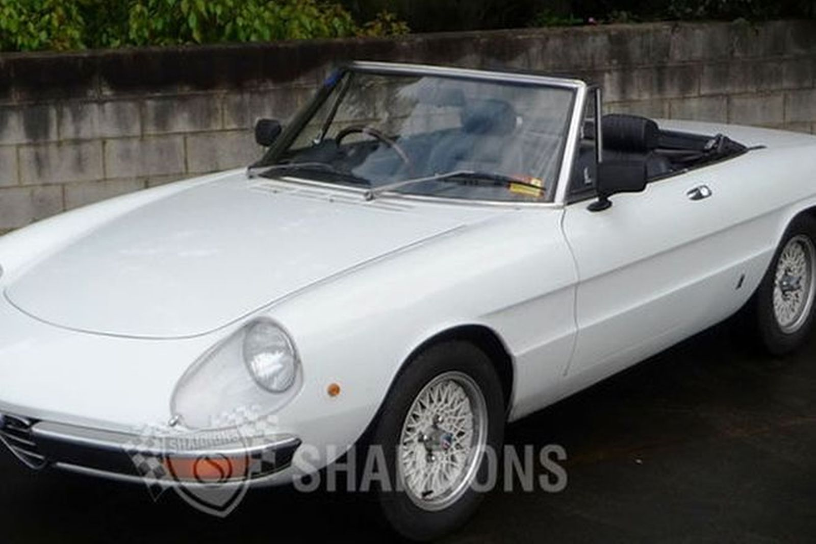 sold alfa romeo 2000 spider auctions lot 12 shannons. Black Bedroom Furniture Sets. Home Design Ideas