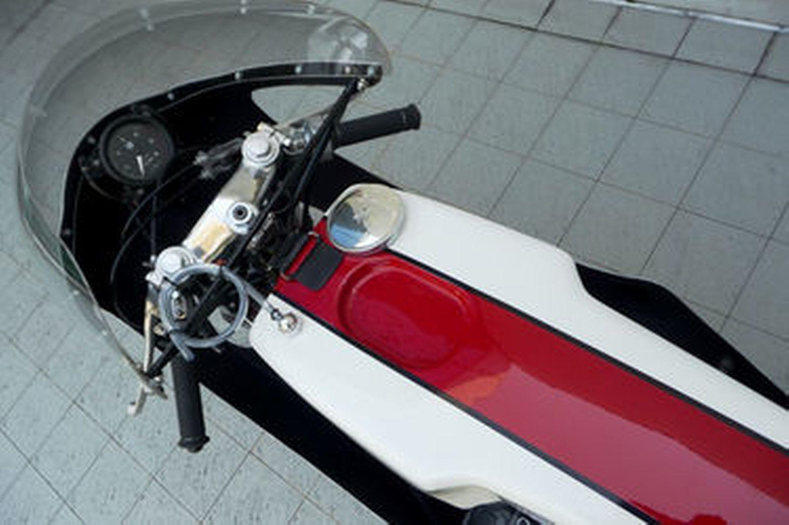 Yamaha TD2 250cc Production Racing Motorcycle