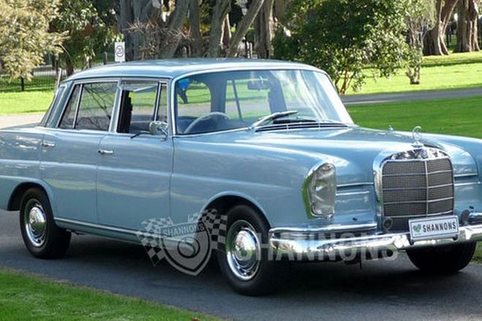sold mercedes benz 230s saloon auctions lot 2 shannons. Black Bedroom Furniture Sets. Home Design Ideas