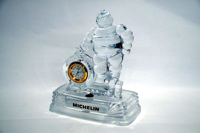 Chrystal D'Arque Statue With Clock - Michelin Man in Box (Clear)