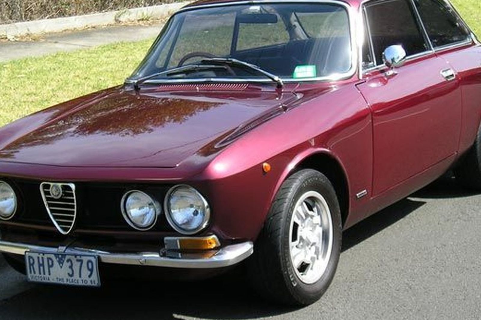 sold alfa romeo 1750 gtv 105 coupe auctions lot 52 shannons. Black Bedroom Furniture Sets. Home Design Ideas