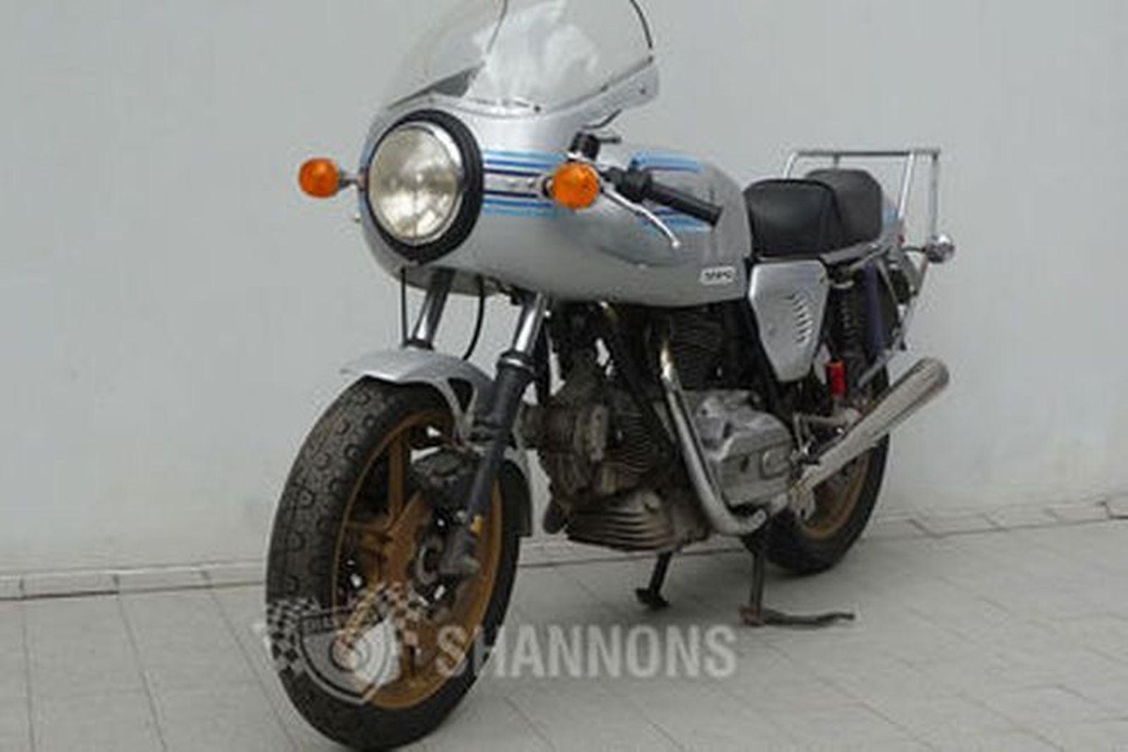 Ducati 900 Super Sport Motorcycle