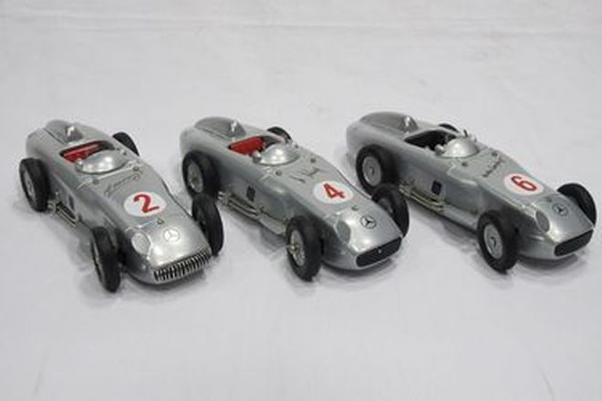 Model Cars - 3 x Marklin Clockwork Tin-plate Mercedes 'Silver Arrow' Racers (1:16 Scale)