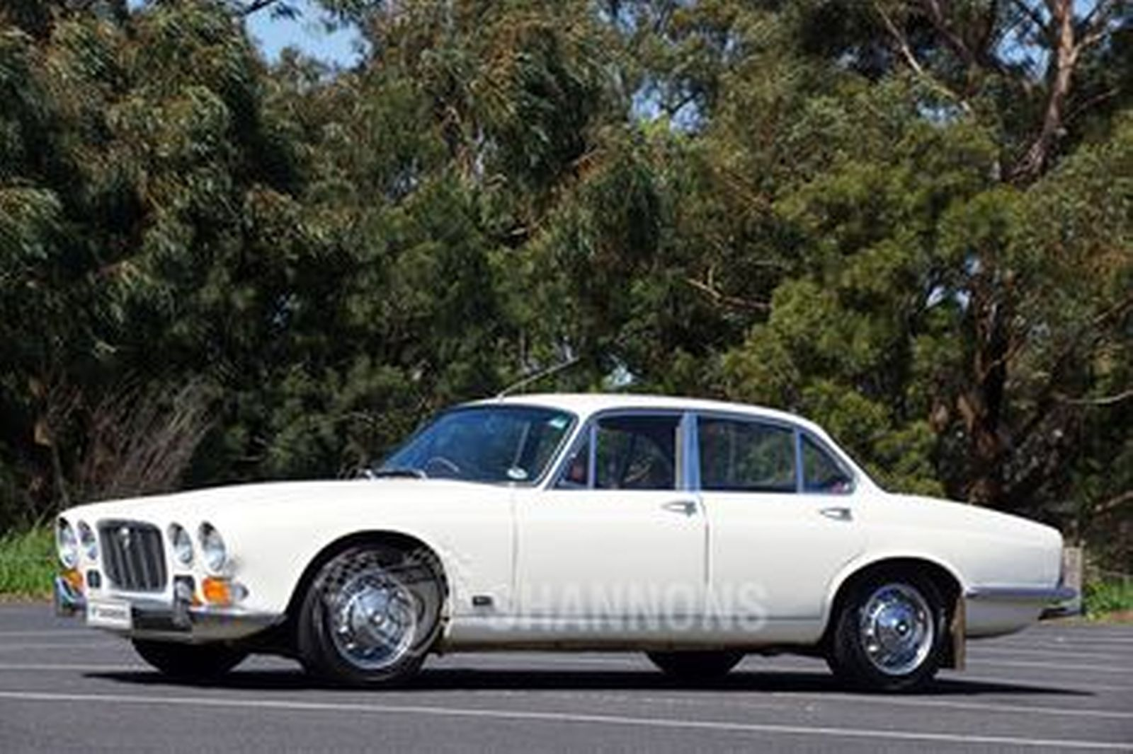 Jaguar XJ6 Series 1 Saloon