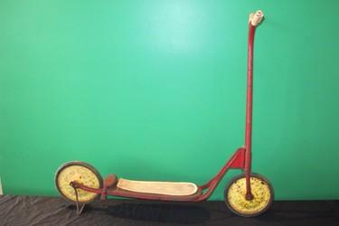 Vintage Childs Scooter (unrestored)