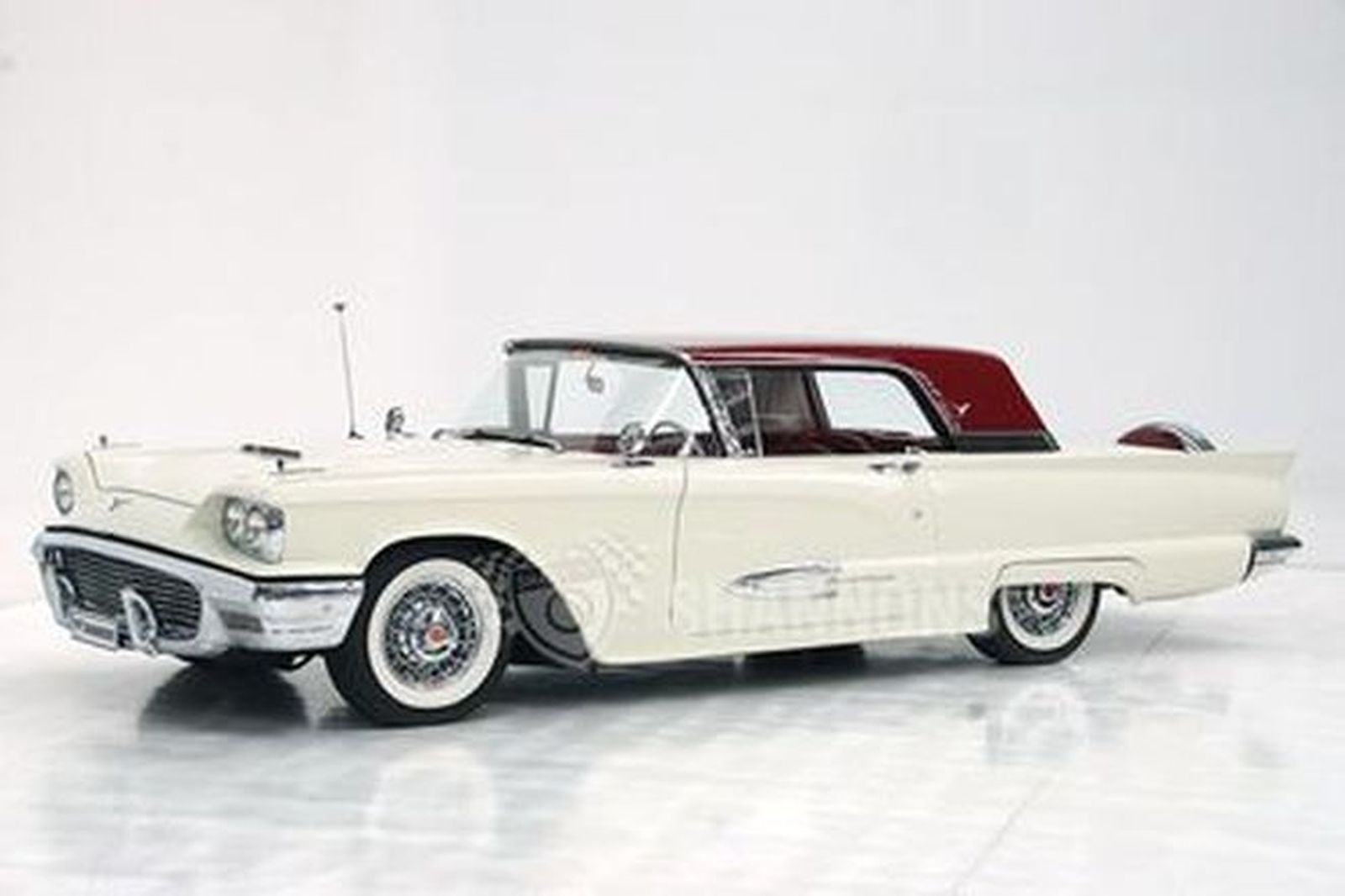 Ford Thunderbird 352 V8 Coupe (LHD)