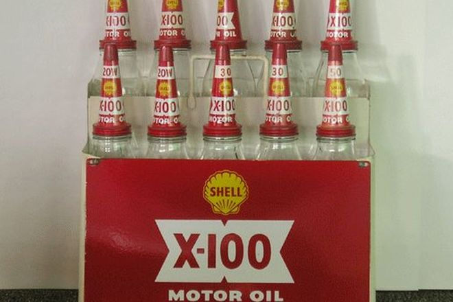 Shell X - 100 Oil Rack with 5 Quarts & 5 Pint Bottles and Tin Tops