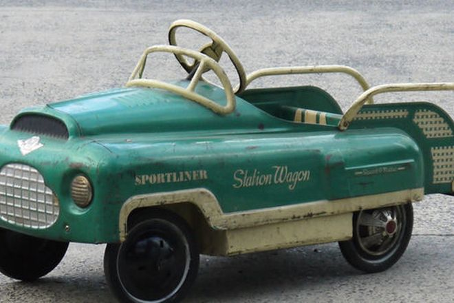Pedal Car - AMF Sportliner station wagon