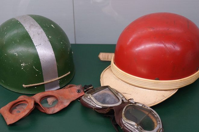 Helmets - 2 x Vintage Helmets and Goggles to suit