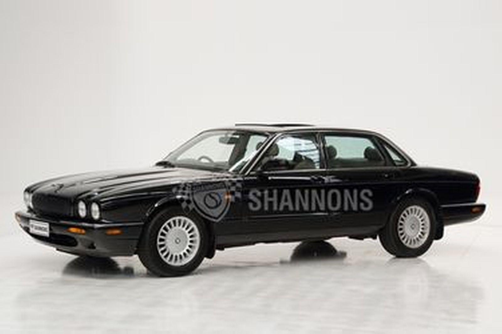 Jaguar XJ8 3.2 V8 Saloon