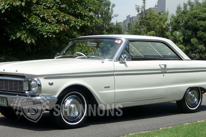 Ford Falcon XP Deluxe Coupe
