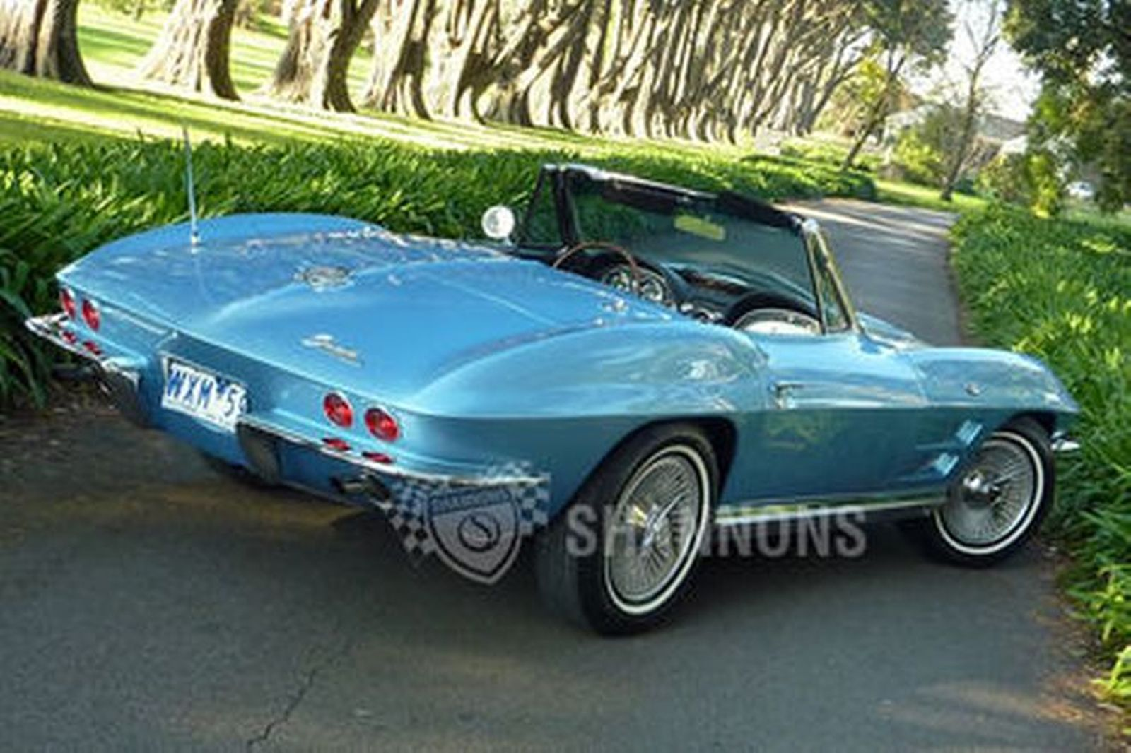 Chevrolet Corvette Stingray Convertible (LHD)