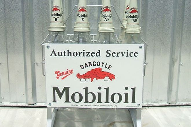 Oil Bottle Rack-Mobiloil Gargoyle 8 bottle