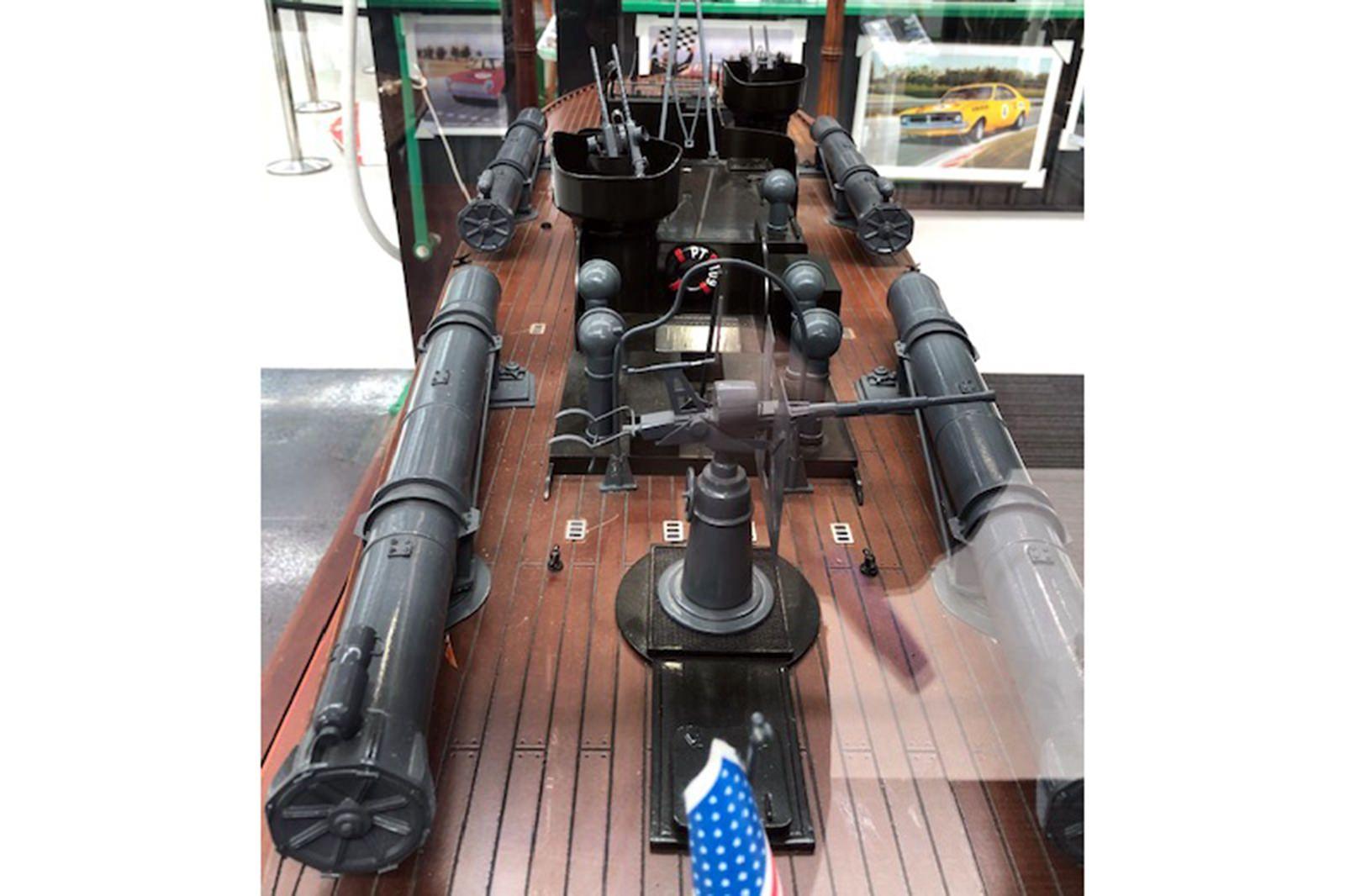 Model Boat - PT109 Patrol Boat in show case   ( size 195 x 74 x 88 cm )