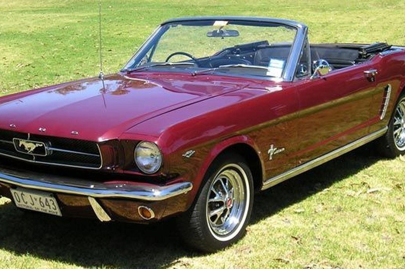 Ford Mustang Convertible (RHD)