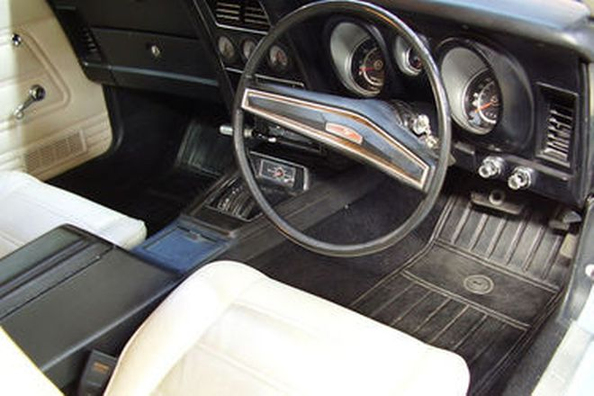 Ford Mustang Mach 1 Fastback (RHD)