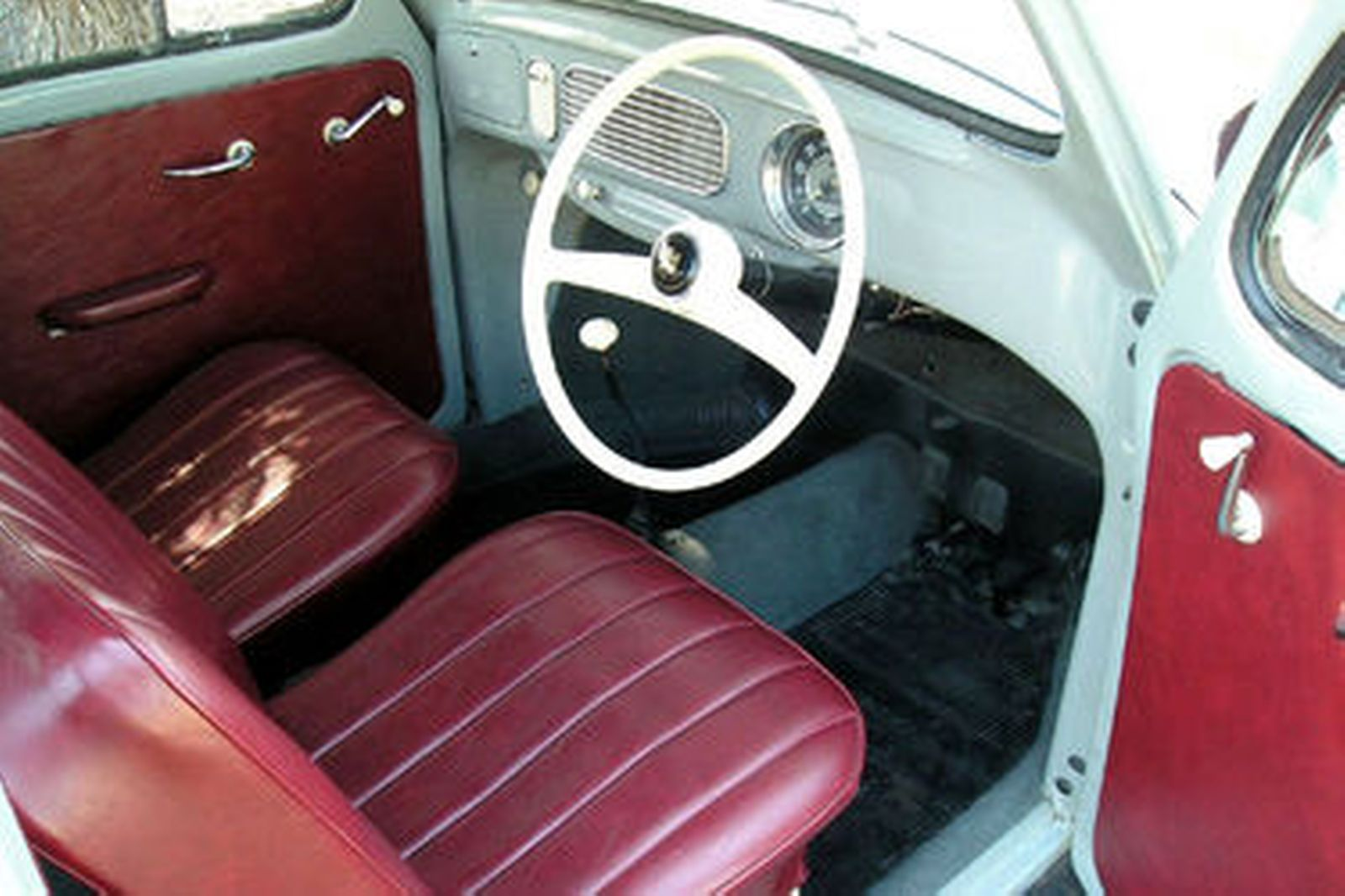 Volkswagen Beetle 'Oval Window' Coupe