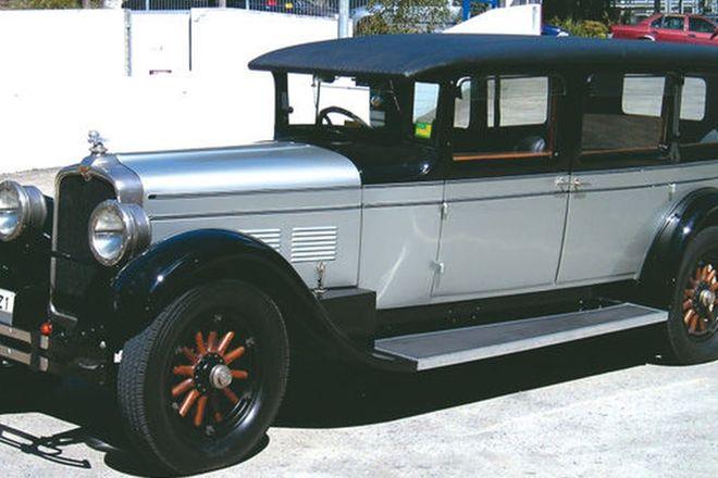 Stutz Straight ' 8'  7 Passenger Limousine