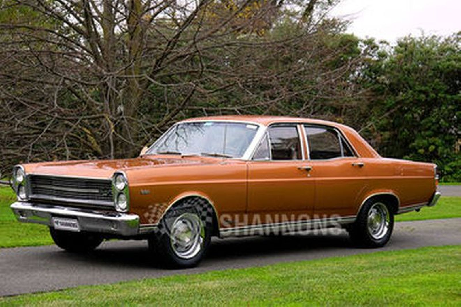 Ford nugget club autos post for Code postal sedan