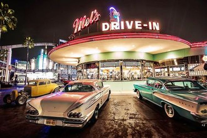 Vinyl Hanging posters - Mels Drive in diner