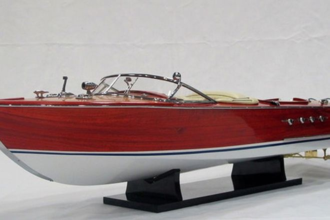 Model Boat - Riva Aquarama (86cm long)