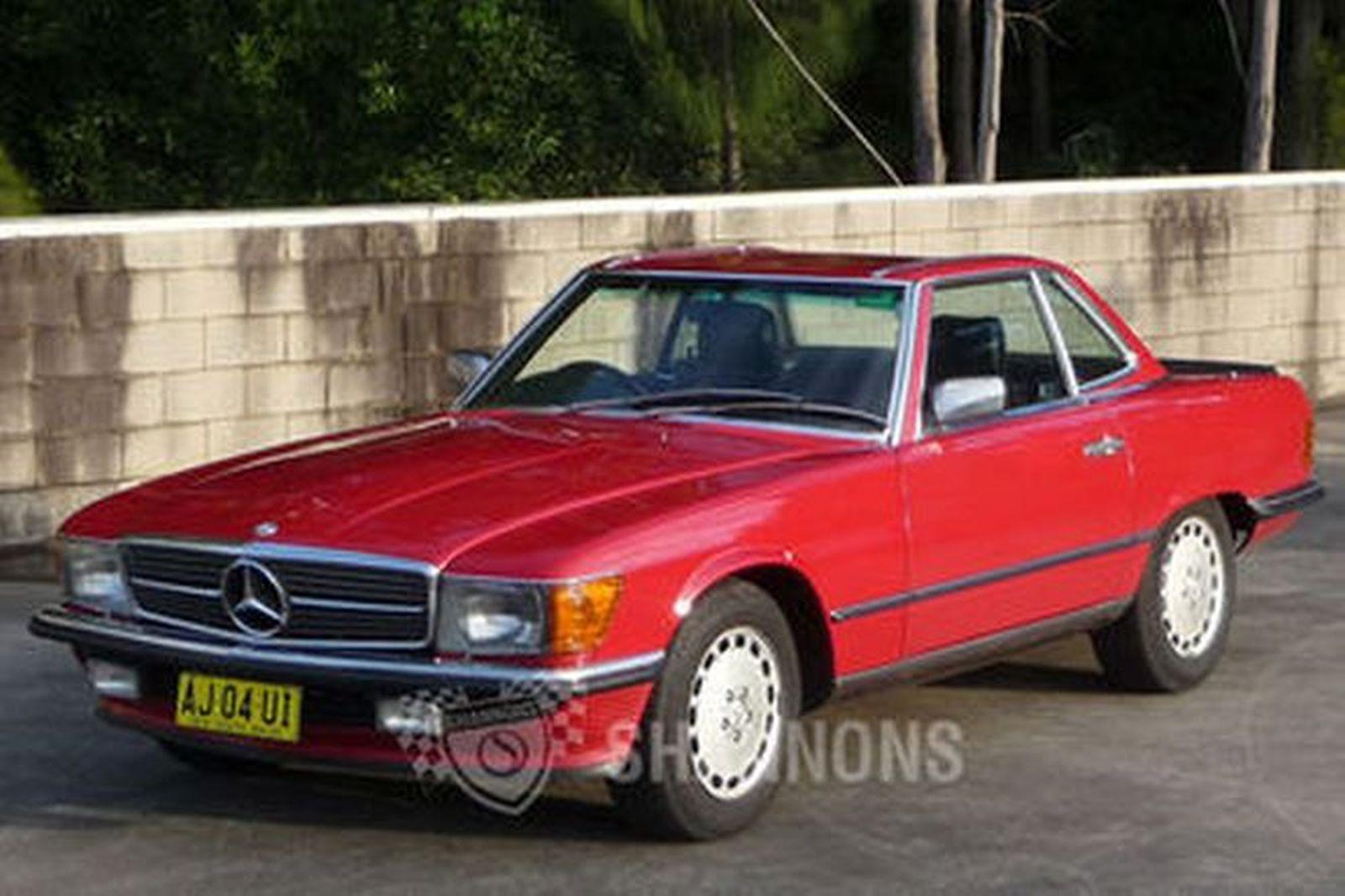 Sold mercedes benz 560sl convertible auctions lot 17 for Mercedes benz convertible 2010