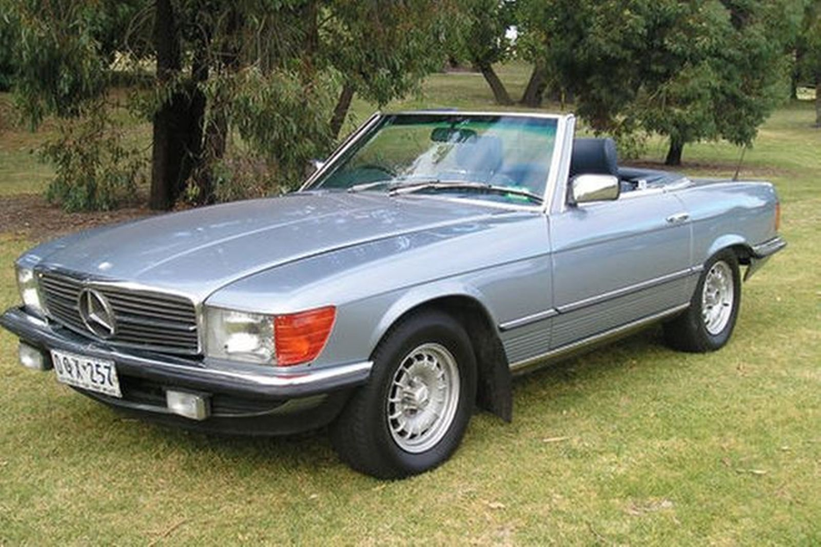sold mercedes benz 380sl convertible auctions lot 24 shannons. Black Bedroom Furniture Sets. Home Design Ideas