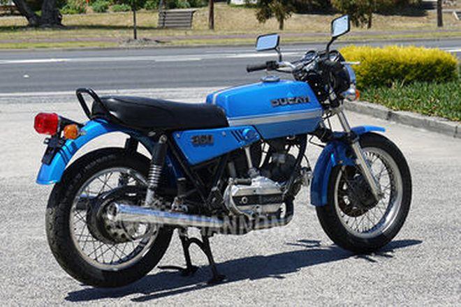 Ducati 860GT Motorcycle