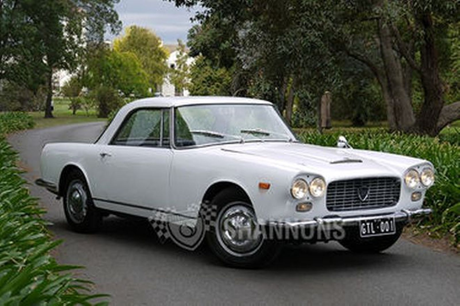 https://www.shannons.com.au/library/images/auctions/F8J3Y4H8A4N6X9H1/1600x1066/1963-lancia-flaminia-gtl-3c-touring-28l-coupe-lhd.jpg