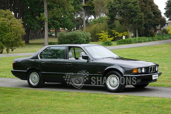 BMW 735iL E32 Saloon