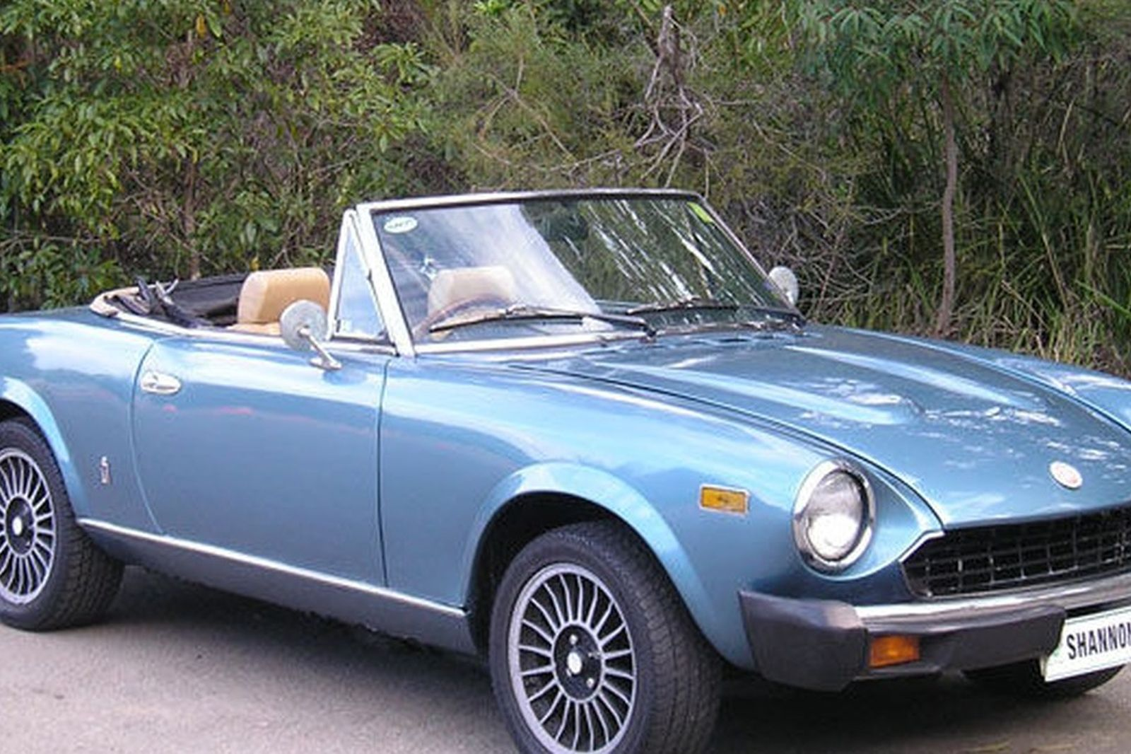sold fiat 124 spider auctions lot 8 shannons. Black Bedroom Furniture Sets. Home Design Ideas