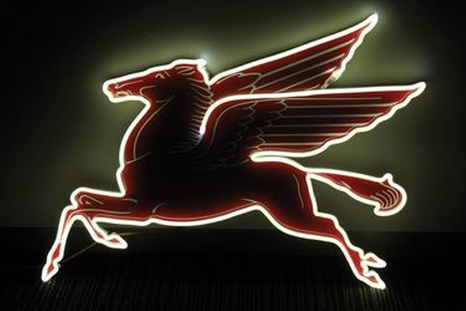 LED Neon Tin Sign - Mobilgas 'Flying Red Horse' (240v & 1.2m wide)
