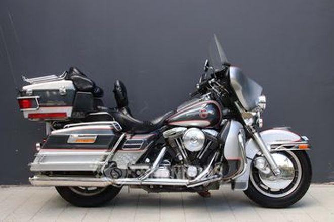 Harley-Davidson FLHTCU Ultra Classic Electra Glide 90th Anniversary Motorcycle