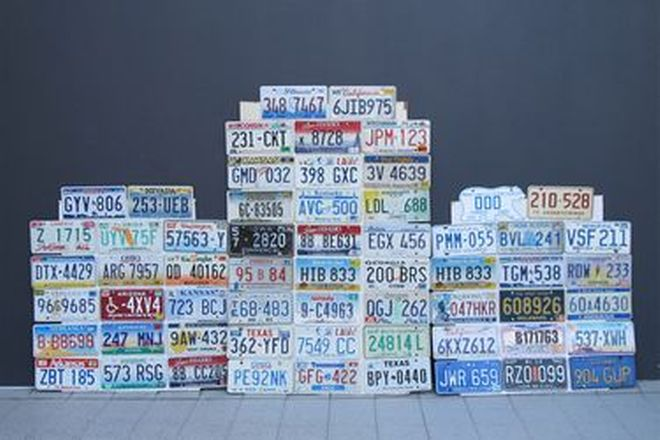 Number Plates - 60 Assorted American & Canadian License Number Plates