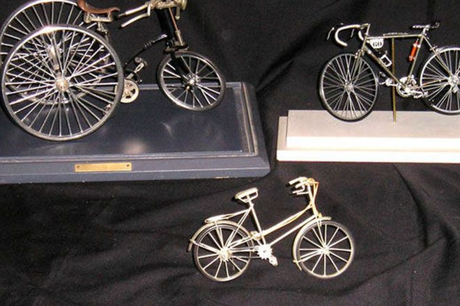 Models x3 - Detailed Bicycle Models (2 in display cases)