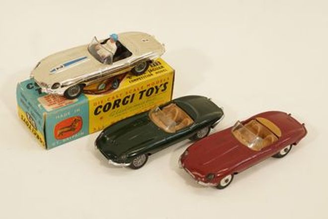 Model cars x 3 - Corgi Jaguar E-Type Roadster in Gold (with good box), Green and Maroon (1:43 scale)