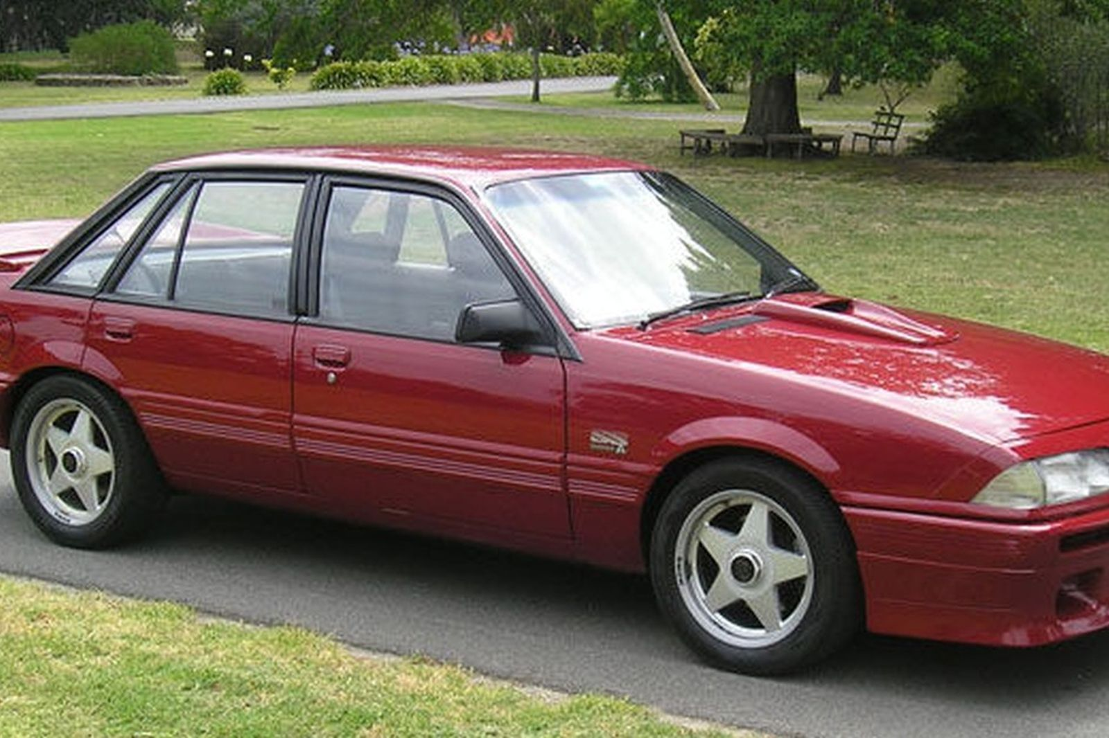 Holden Vl Commodore Ss Group A Sedan Auctions Lot 25
