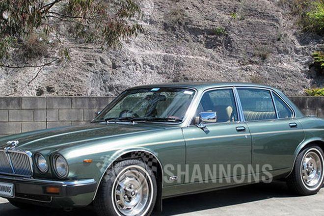 Jaguar XJ6 Series III Saloon
