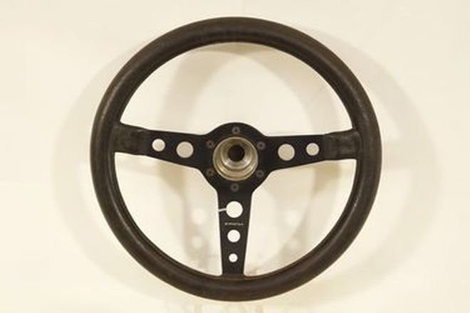 Steering Wheel - Momo Prototipo 3-spoke leather covered with unknown boss - leather dried
