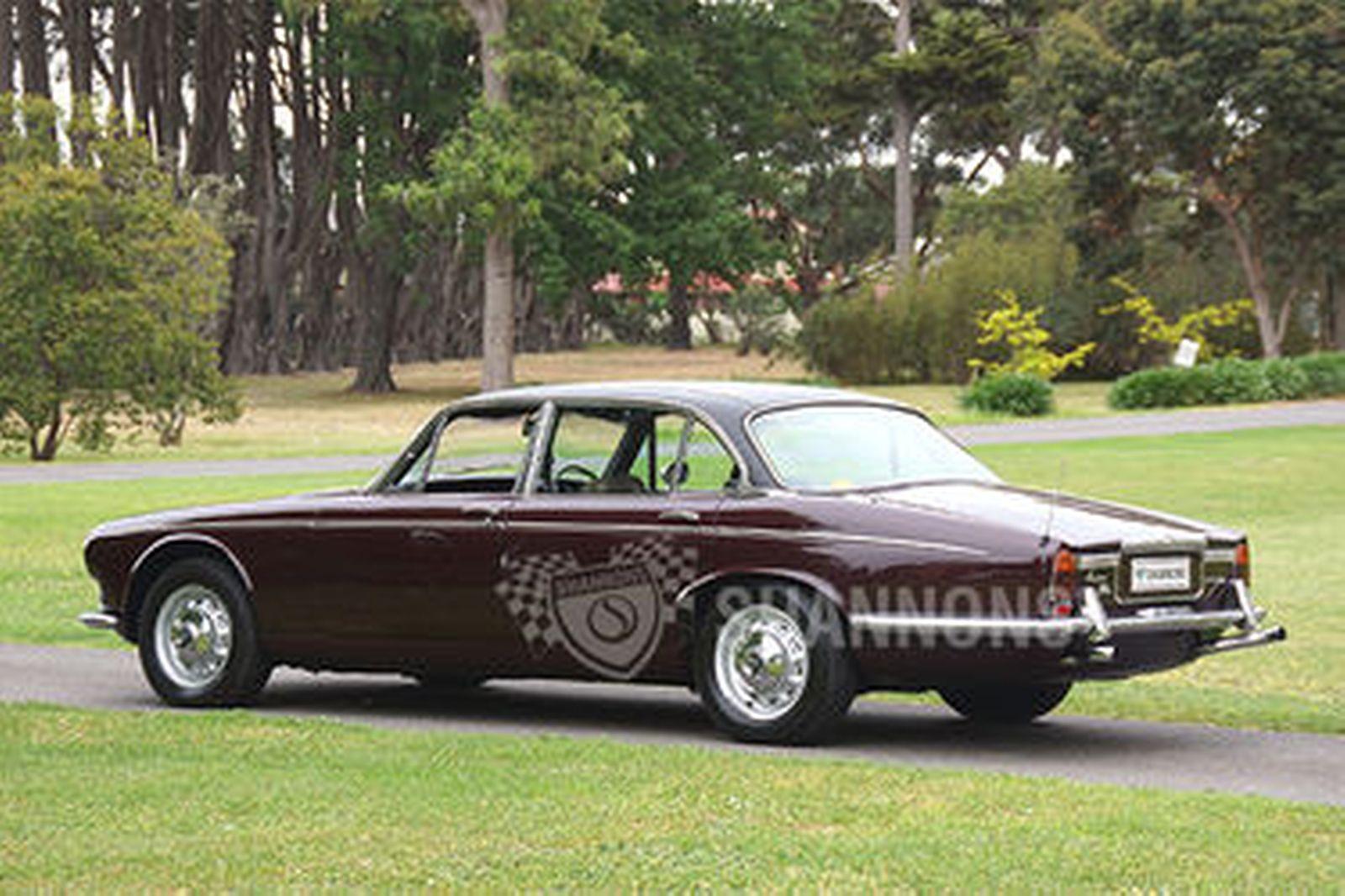 Daimler Double Six Vanden Plas Saloon