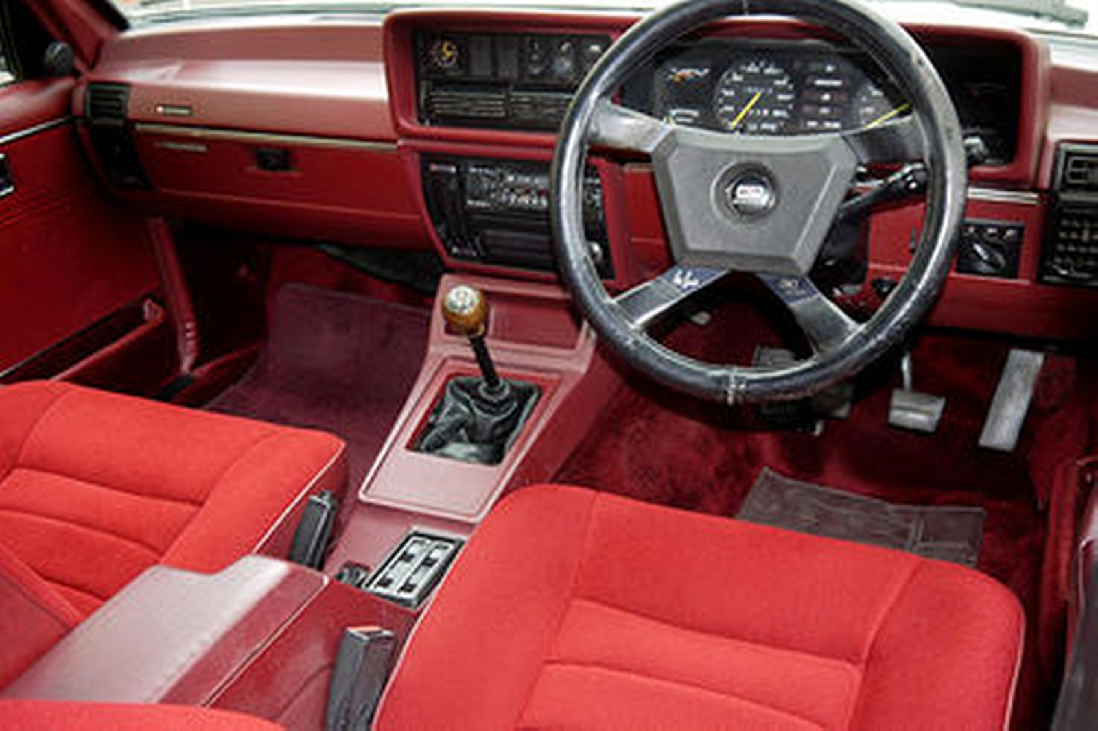 Holden Commodore Vc Brock Hdt Sedan Auctions Lot 35